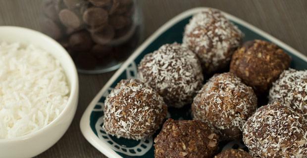 Chocolate Almond Delight Energy Bitesrecipe